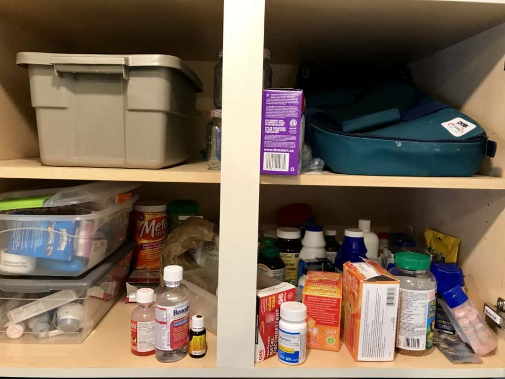 #medicinecabinetorganization #homeorganization #dollarstore #howtoorganize #home #firstaid #storage #ourhappyhive